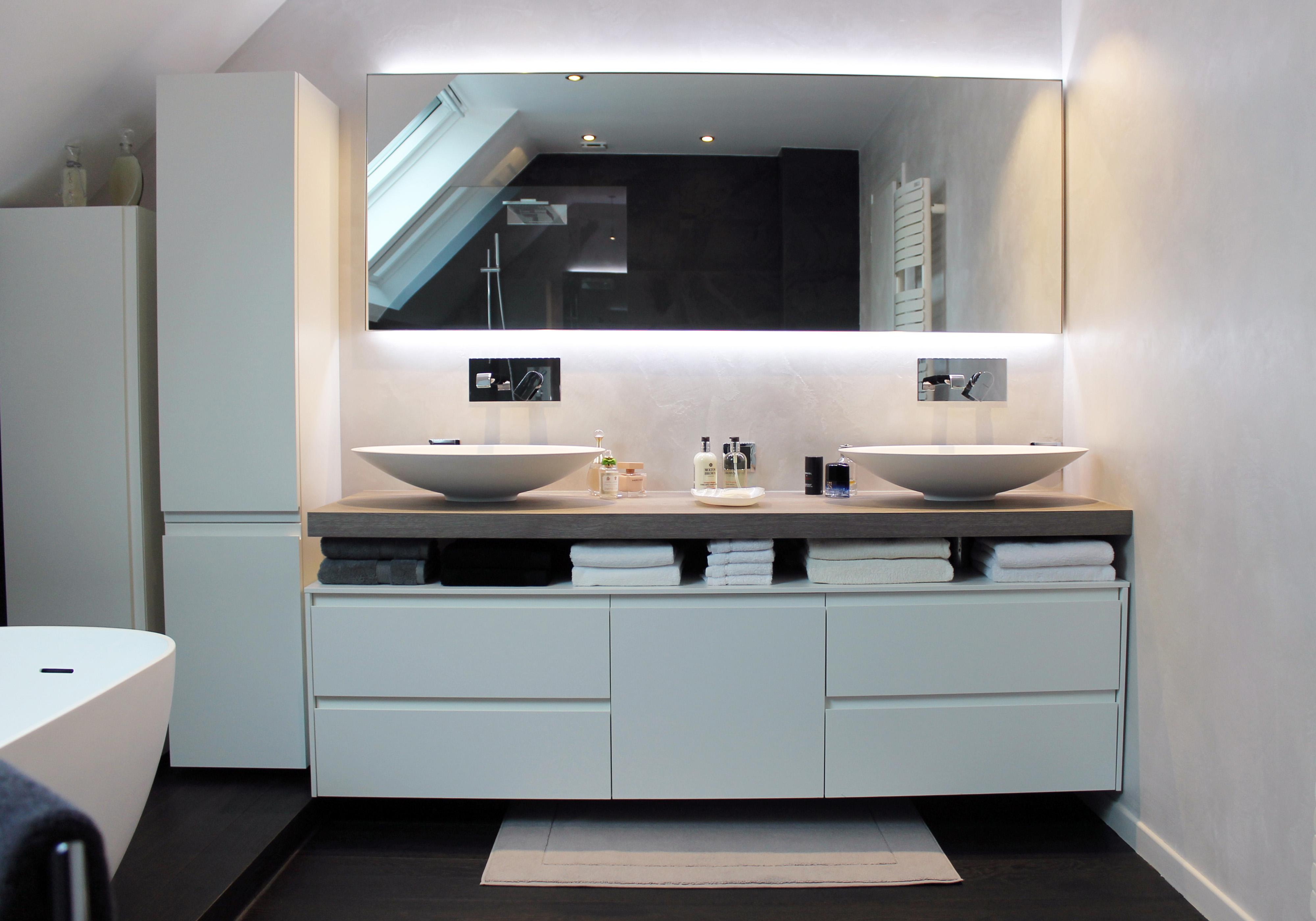 Salle de bain sous mansarde